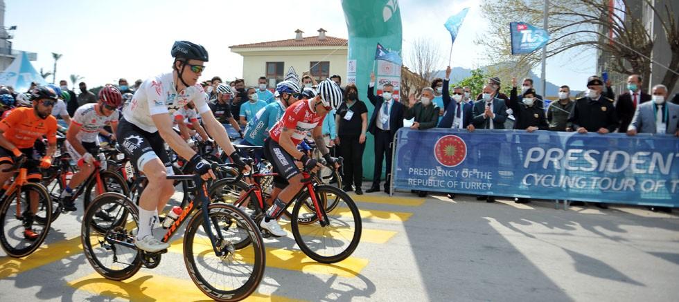 56. Cumhurbaşkanlığı Bisiklet Turu 5. Etabının startı Kemer'den verildi