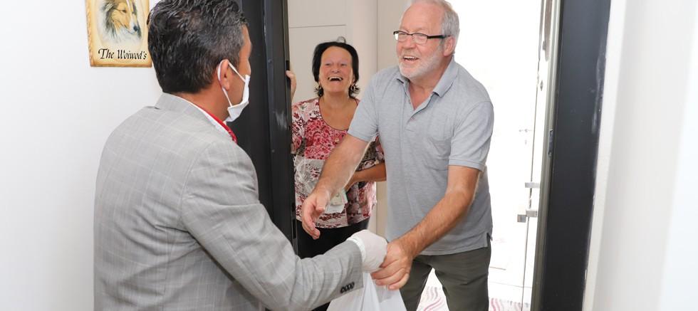 65 yaş üstü Alman çiftin alışverişini Alanya Belediyesi yaptı