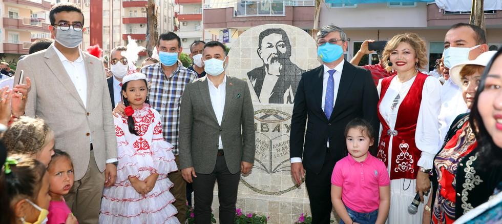 Abay Kunanbayoğlu Parkı düzenlenen törenle hizmete açıldı