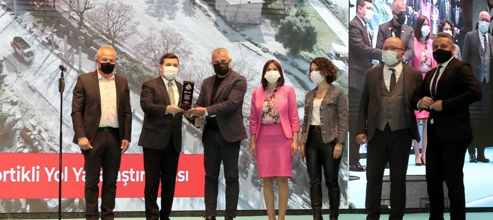 Akdeniz Belediyeler Birliği'nden Manavgat Belediyesi'ne ödül