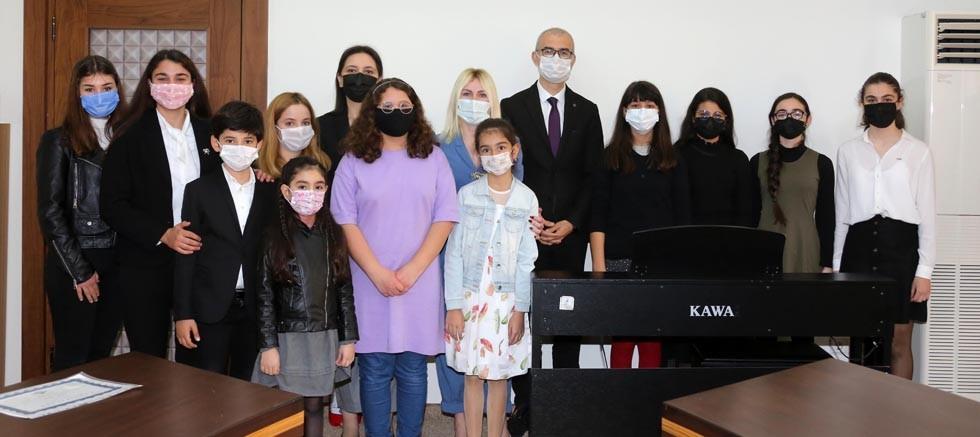 Akdeniz Üniversitesi Antalya Devlet Konservatuvarı öğrencileri ödüle doymuyor