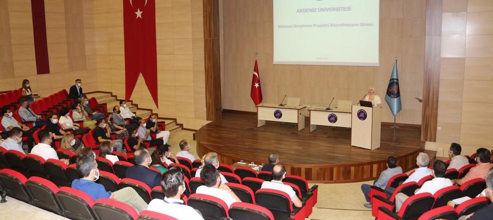 Akdeniz Üniversitesi Bilimsel Araştırma Projeleri Bilgilendirme Toplantısı yapıldı