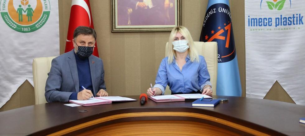 Akdeniz Üniversitesi ile Tarım Kredi Kooperatifleri Birliği arasında iş birliği protokolü imzalandı