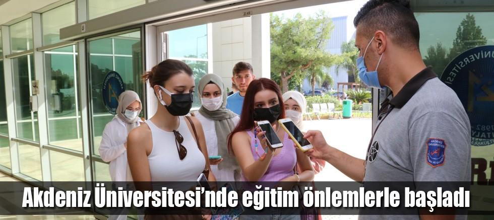 Akdeniz Üniversitesi'nde eğitim önlemlerle başladı