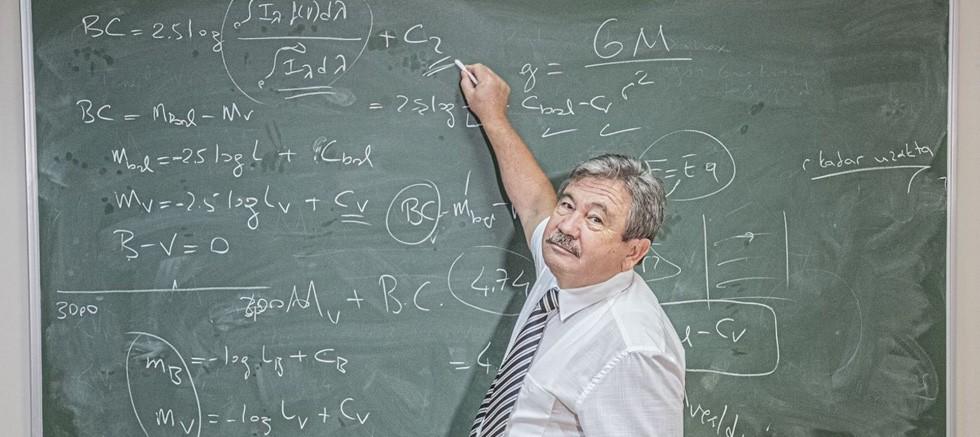 Akdeniz Üniversitesi Öğretim Üyesi ve ekibinden temel astrofiziğe 80 yıl sonra gelen düzeltme