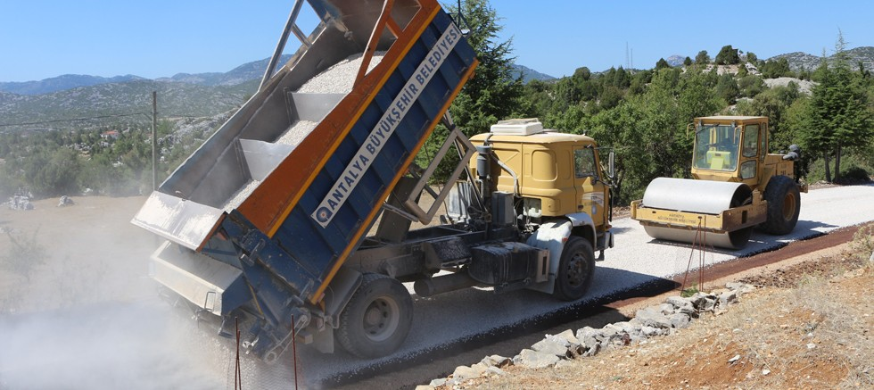 Akseki'de asfalt çalışması