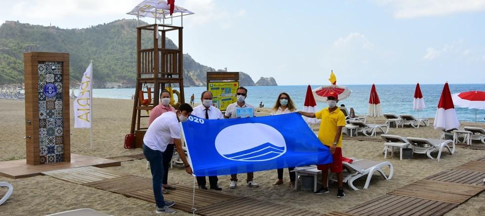 Alanya'nın mavi bayraklı ilk tesis plajı Xperia Saray Beach Hotel oldu