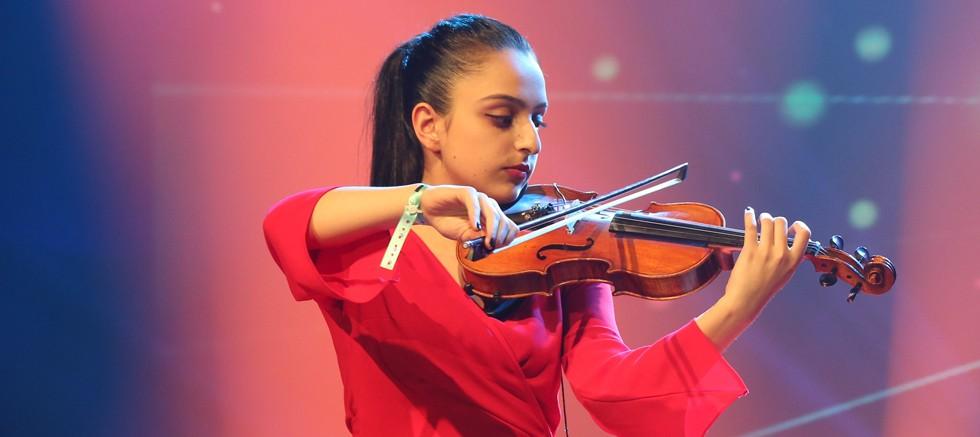 Antalya 17 okuldan 30 grup ve öğrenci ile yarışmada
