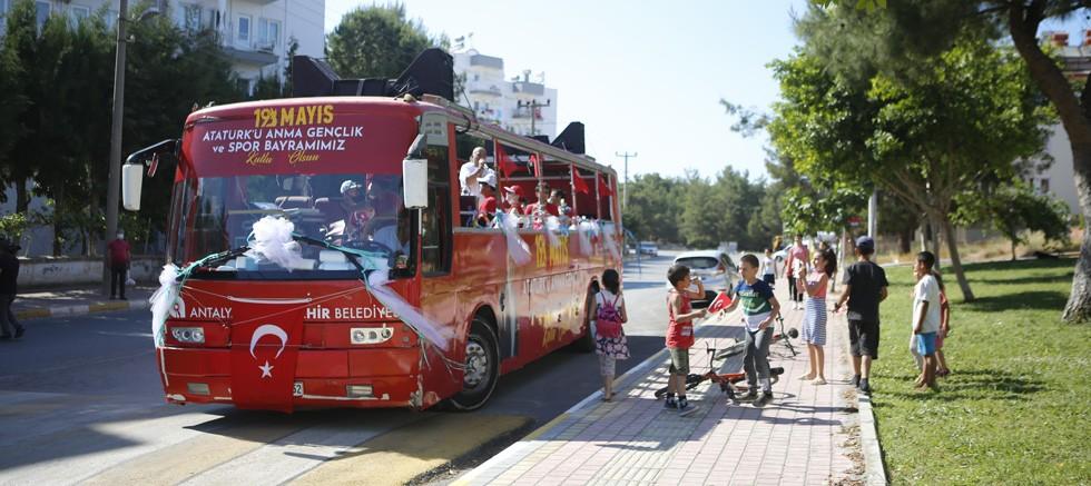 Antalya'nın dört bir yanında 19 Mayıs coşkusu sürüyor