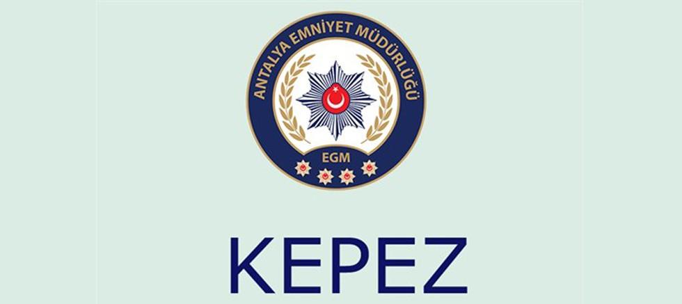 Aranan 2 şahıs Kepez'de yakalandı