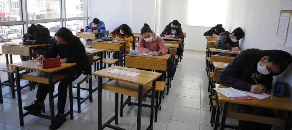ATABEM'de LGS'ye hazırlanan 8'nci  sınıf  öğrencilerine deneme sınavı