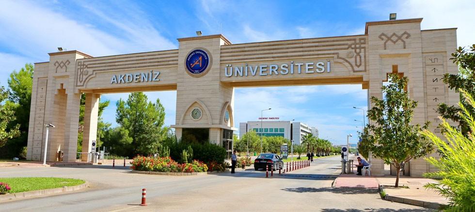 AÜ Akademisyenlerin Gözünden Üniversiteler Araştırması'nda üst sıralarda yer aldı