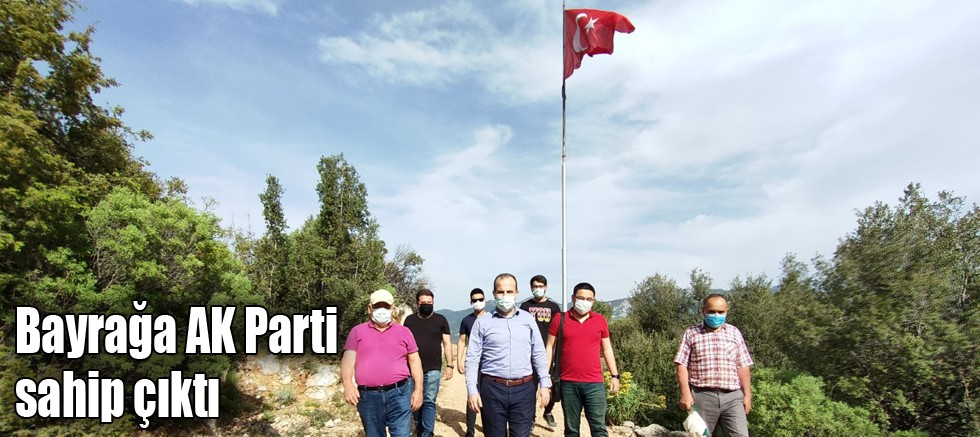 Bayrağa AK Parti sahip çıktı