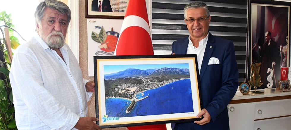 Bulgaristan eski Kültür Bakanı Rashidov, Kemer Belediyesi'nde