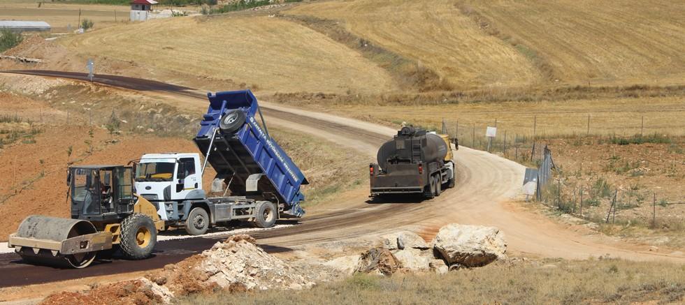 Büyükşehir Bahçeyaka ve Nebiler yolunu asfaltladı