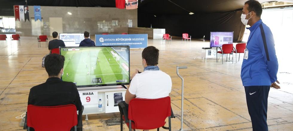 Büyükşehir Belediyesi e-spor turnuvası düzenledi