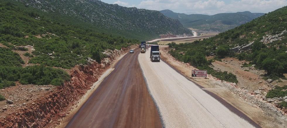 Büyükşehir Belediyesi Naldöken yolunu genişletiyor