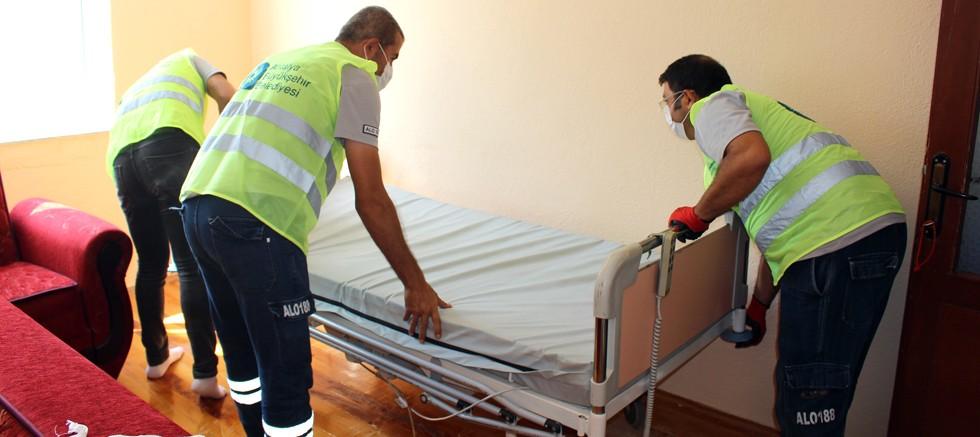 Büyükşehir'den 12 vatandaşa daha hasta yatağı yardımı