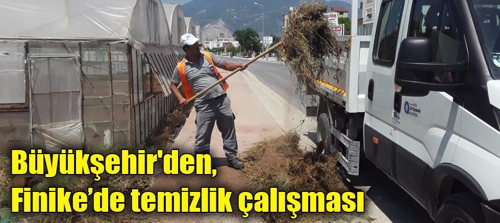 Büyükşehir'den, Finike'de temizlik çalışması