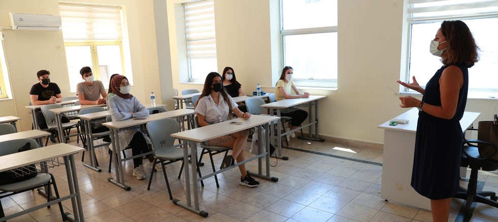 Büyükşehir'den üniversite sınavına girecek öğrencilere psikolojik destek