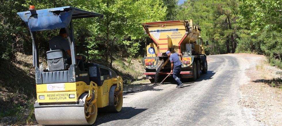 Büyükşehir kırsal yollarında bakım-onarım çalışması yapıyor