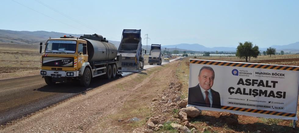 Büyükşehir Osmankalfalar grup yolunu asfaltladı
