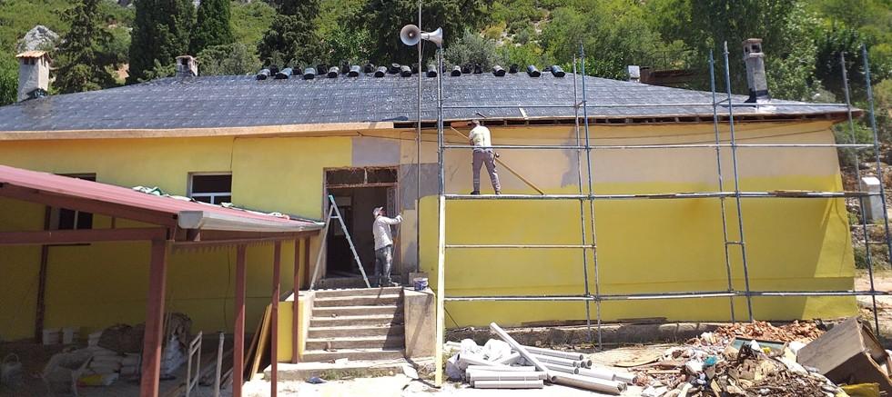 Çiçekoluk'ta eski okul binası yenileniyor