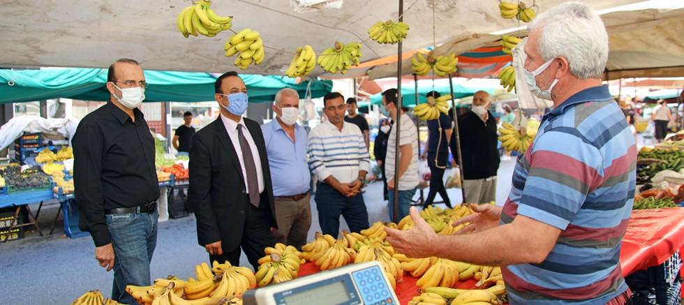 Cuma pazarı geçici yerinde ilk kez kuruldu