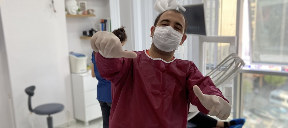 """""""Diş estetiği sadece görünüme değil ağız sağlığına da katkı sağlar"""""""