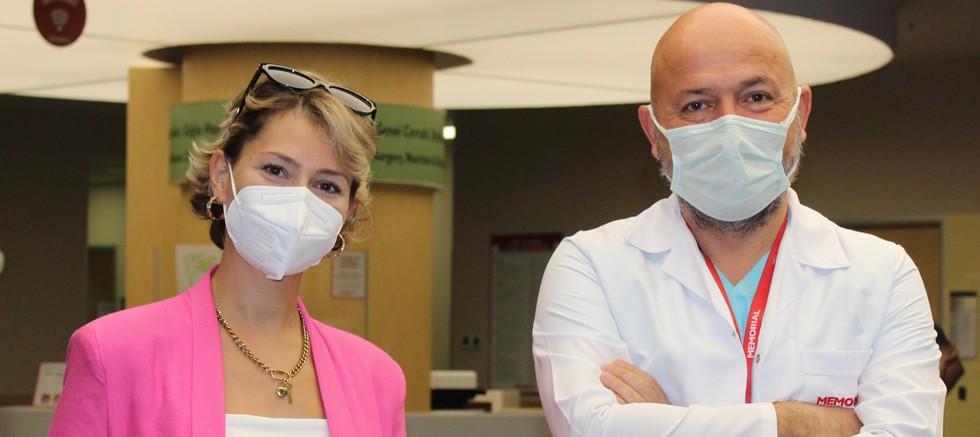 Eşinin hassasiyeti meme kanseri olan genç kadının hayatını kurtardı