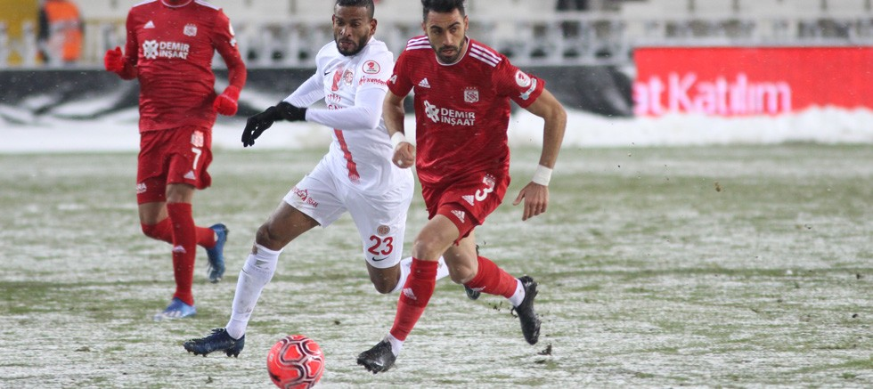 Fraport TAV Antalyaspor yarı finalde