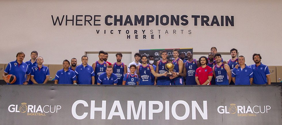 Gloria Cup 2021 Basketboll Turnuva 2'nin şampiyonu Anadolu Efes