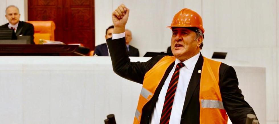 """Gürer: """"İşçi ve işveren karşı, iktidar neden karıştırıyor?"""""""