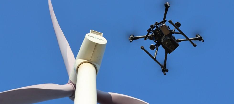 İHA teknolojisi rüzgar türbini kanatlarındaki 1 günlük işi yarım saate indiriyor