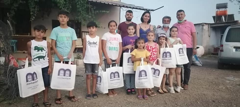Karavelilerde Çocukların Bayramlıkları Momentum Groups'dan