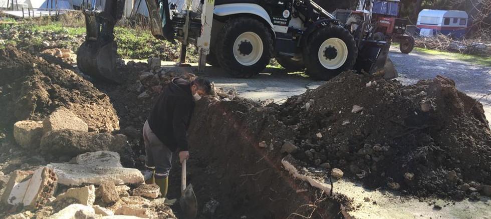 Kemer Belediyesi'nden yağmur suyu drenaj çalışmaları