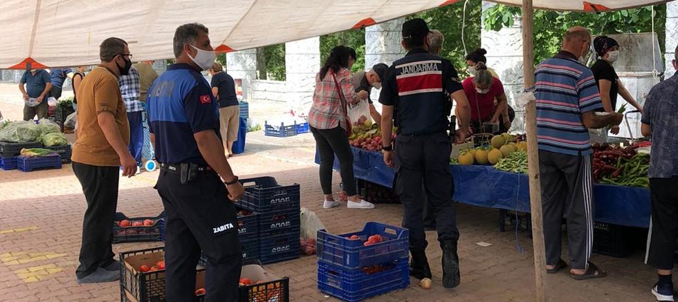 Kemer Belediyesi pazar yerlerinde önlemlerini aldı