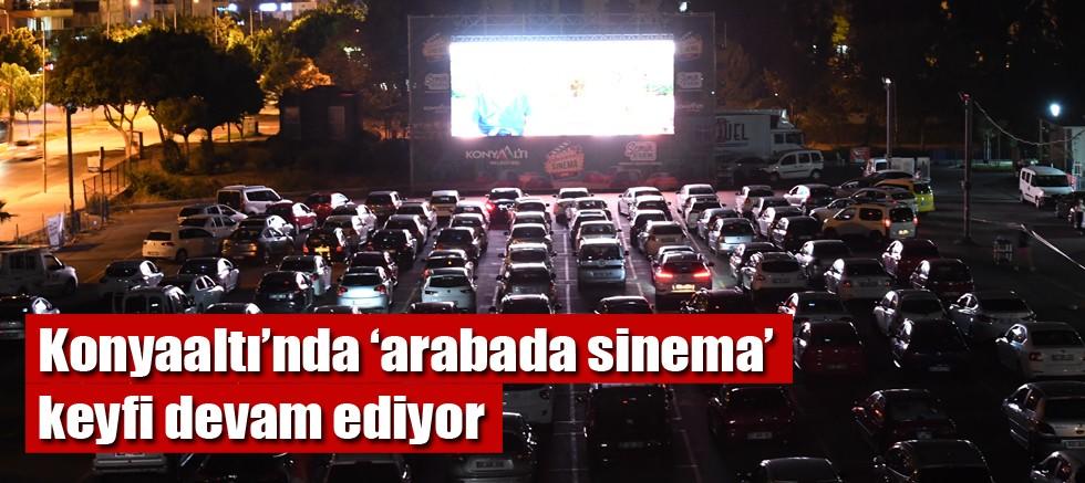 Konyaaltı'nda 'arabada sinema' keyfi devam ediyor