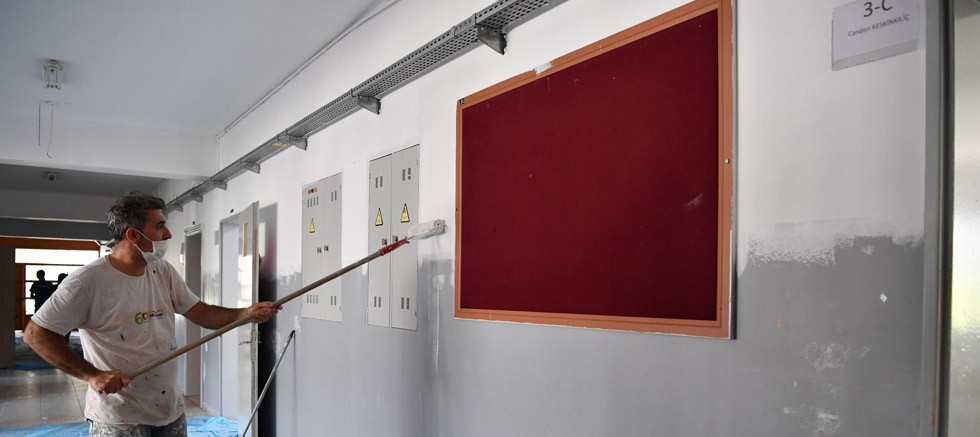 Konyaaltı'ndan okullara bakım-onarım desteği