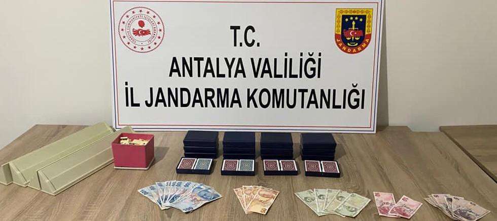 Kumar oynayan ve Covid 19 tedbirlerini ihlal eden 11 kişiye para cezası kesildi