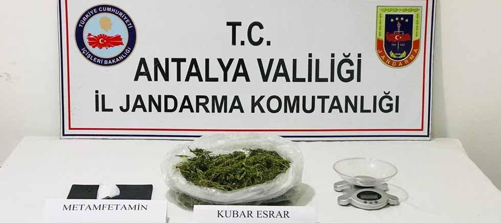 Manavgat'ta jandarmadan uyuşturucu satıcılarına suçüstü