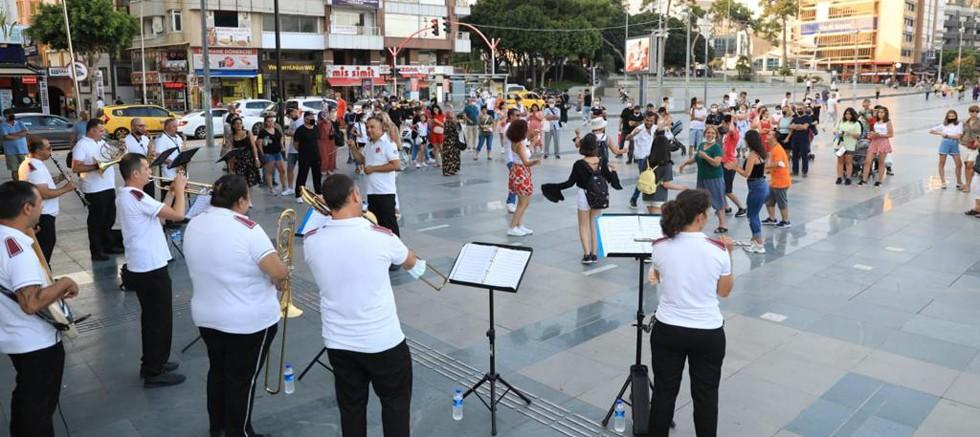 Müzik Şehrin Kalbinde