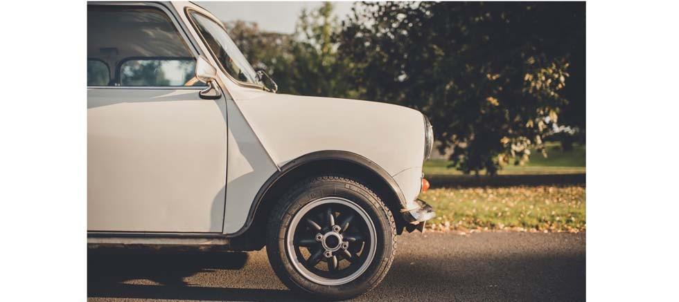 Pirelli klasik mini koleksiyoncuları için yeni bir lastik üretti