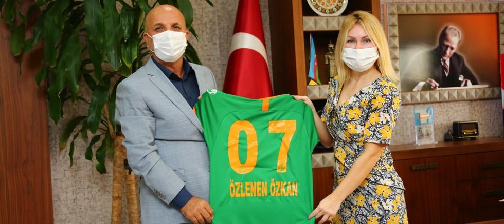 Rektör Özkan'a, Aytemiz Alanyaspor Başkanı Hasan Çavuşoğlu'ndan Tebrik Ziyareti