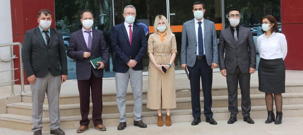 Rektör Özkan, Sosyal Bilimler MYO ve İİBF'yi Ziyaret Etti