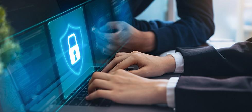 Sağlam parola politikalarıyla birleştirilmiş yama yönetimi, siber saldırı riskini %60'a kadar azaltıyor