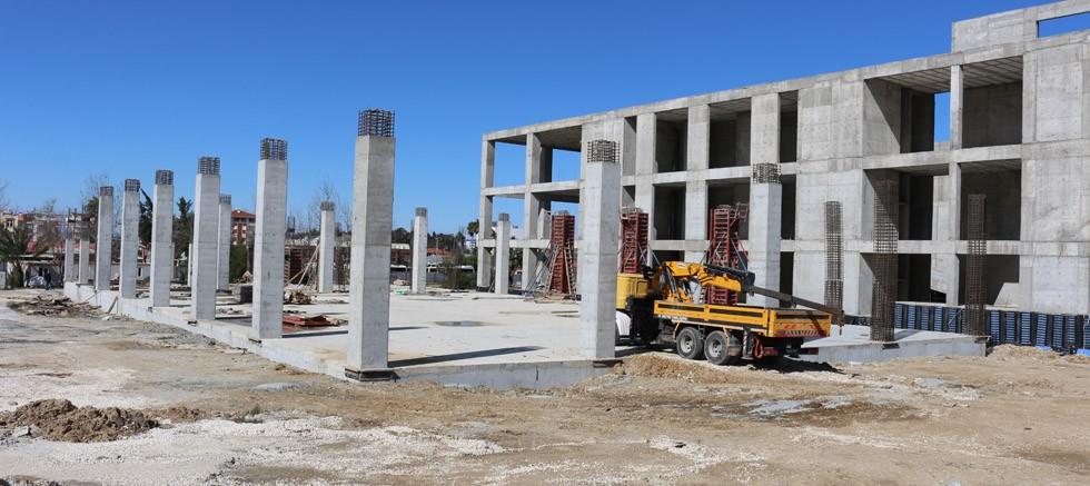 Serik Kültür Merkezi bünyesindeki düğün salonu inşaatı hızla sürüyor
