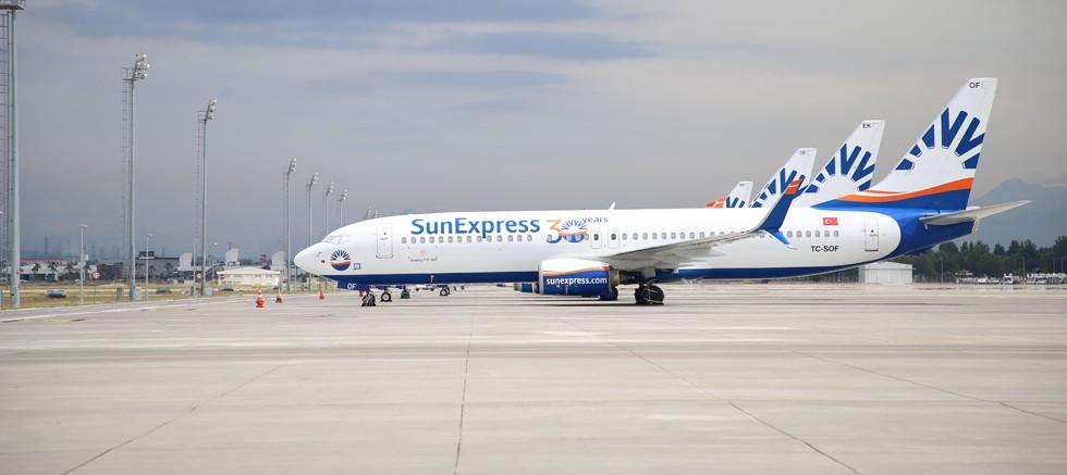 SunExpress, zorunlu seyahatlerde Antalya halkının yanında
