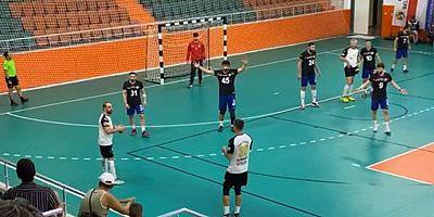 Antalyaspor Hentbol takımı namağlup unvanını korudu