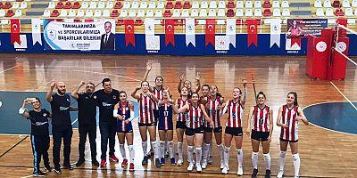 Antalyaspor Voleybol Takımı sezona galibiyet ile başladı